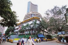 Closing bell: Sensex rises 400 points, Nifty near 10,450, banking stocks gain
