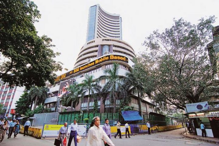 Market Live: Sensex rises 200 points, Nifty near 9,850, SBI Life shares up 5% on debut