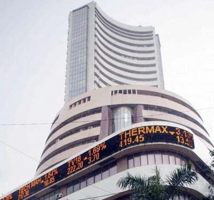 Market Live: Nifty manages to hold 9900, midcaps & PSU banks rally