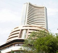 Market Live: Sensex opens in the red, Nifty gives up 10,300; DRL up 4%