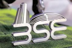 Market Live: Sensex, Nifty trade flat, Bajaj Auto, Reliance, Asian Paints top gainers