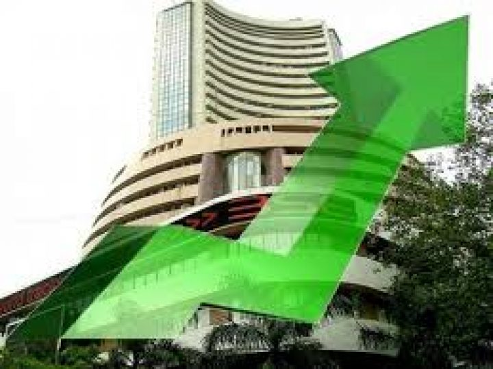 Nifty climbs above its record closing high, Sensex rises 100 pts