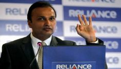 Sensex, Nifty flat; Reliance market cap crosses Rs 4 lakh cr