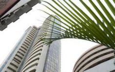 Sensex dips 100 pts, Nifty breaks 7850; BHEL, Bajaj Auto up